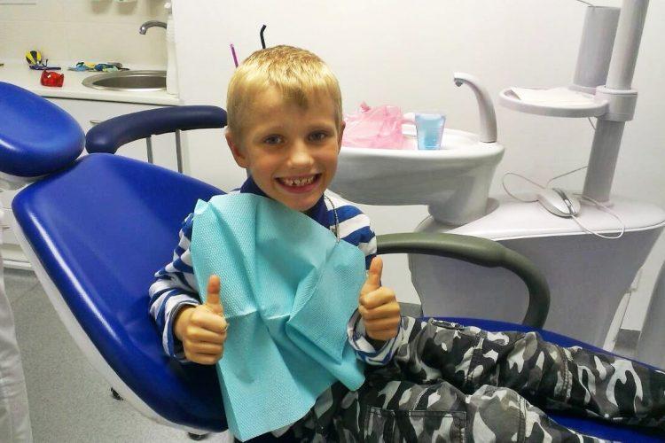 маленький пациент после стоматолога