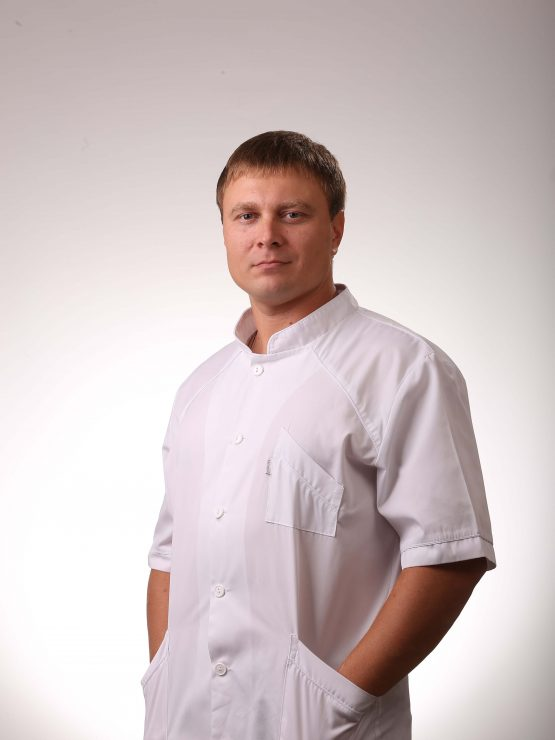 хирург стоматолог киев малиновский руслан александрович